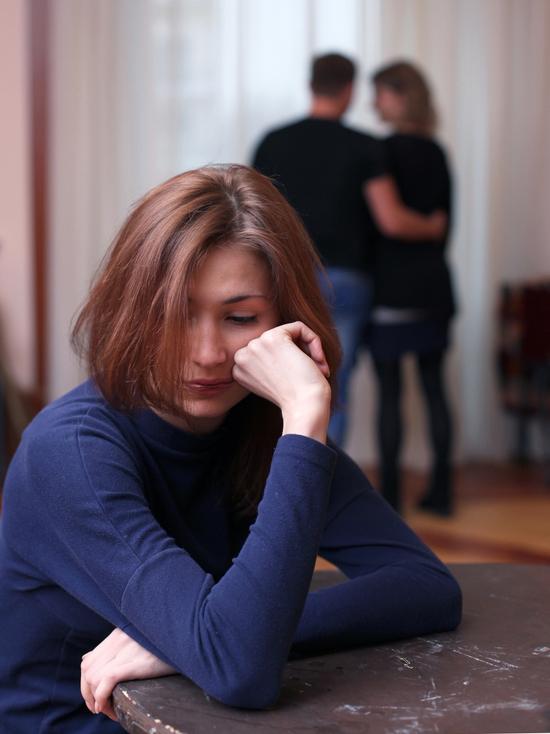 Депутат из Ленобласти предложил запретить мужские измены