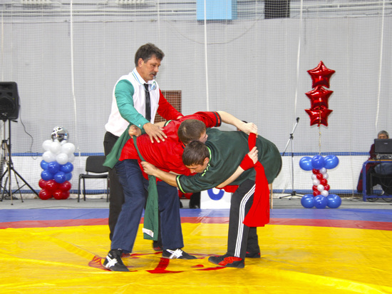 Алмазбек Атамбаев пригласил спортсменов из Башкирии на игры кочевников
