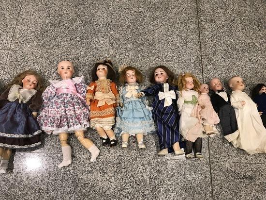 ВДомодедове перехватили 25 антикварных кукол