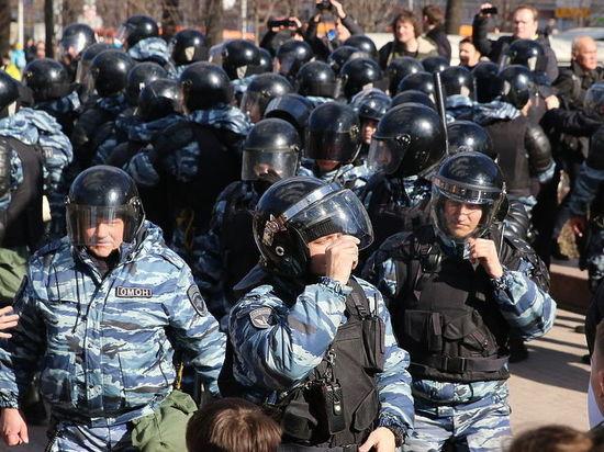 Московского бездомного арестовали за троекратное нападение на полицию 12 июня