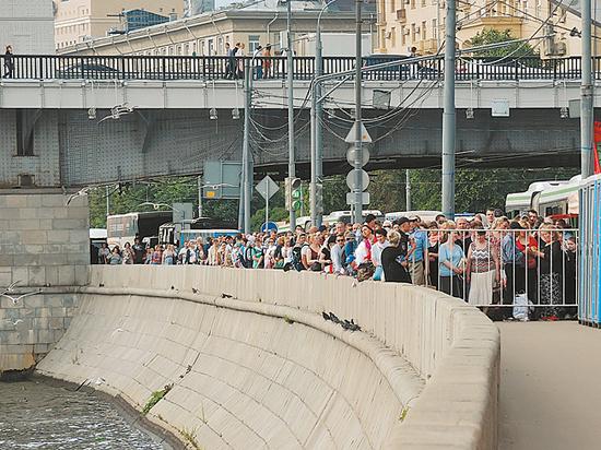 Свыше 1,35 млн паломников уже поклонились мощам Николая Чудотворца в столице России