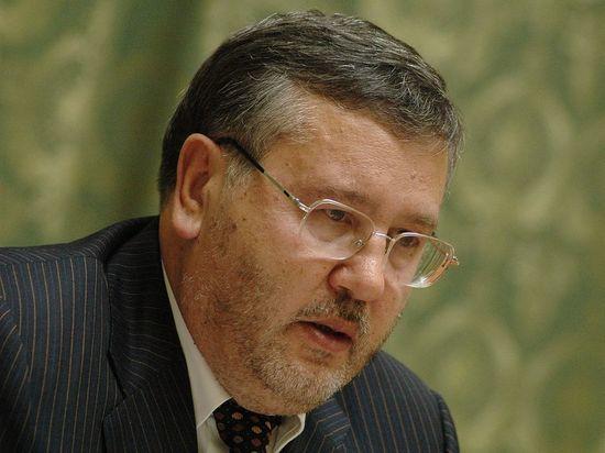 Экс-министр обороны Украины призвал взрывать машины в России