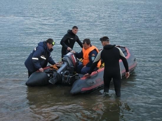ВЧелябинской области трое взрослых ичетверо детей утонули катаясь налодке