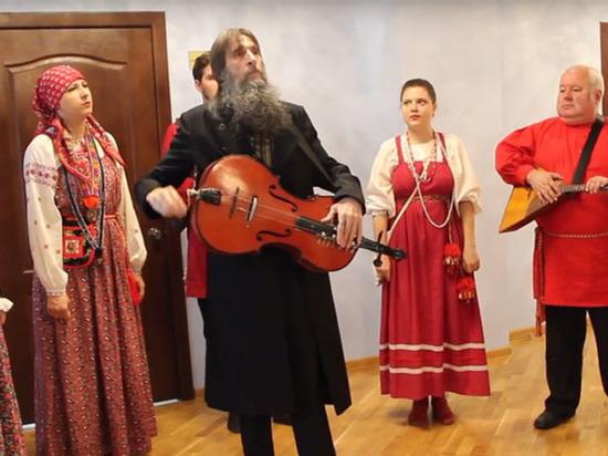 Голодовка длиной в день: чего добился мятежный ансамбль в Саратове