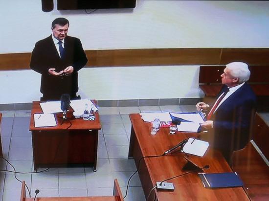 Янукович собирается засудить украинских банкиров за миллиард долларов