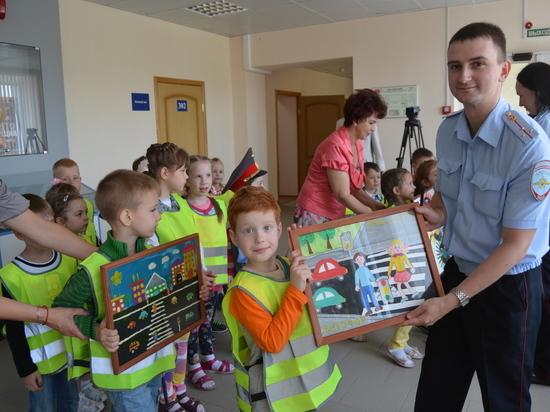 Детсадовцы посетили ГИБДэДэшников