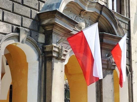 Политолог: снос советских памятников оставит на Польше «клеймо Иуды»
