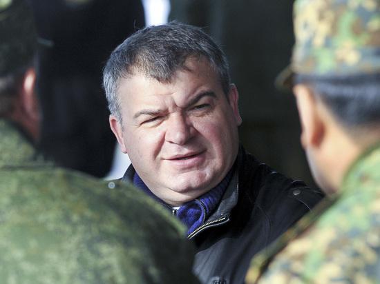 Сердюков возглавил совет директоров «Роствертола»
