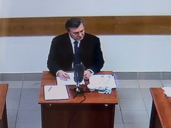 """Янукович отказался от участия в """"позорном судилище"""", пожаловавшись на госпереворот"""