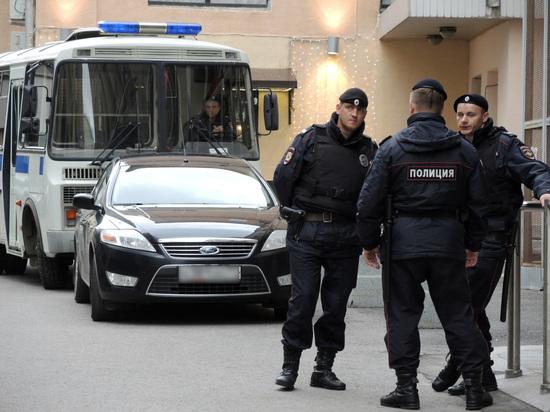 Полиция обыскала московский штаб Навального из-за уголовного дела о самоуправстве