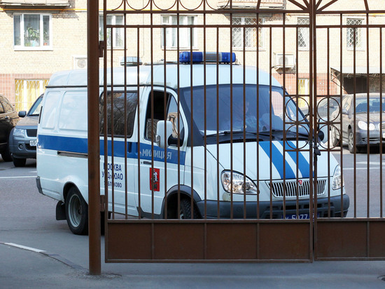 Избитого полицией волонтера Навального забрали в суд из Склифосовского