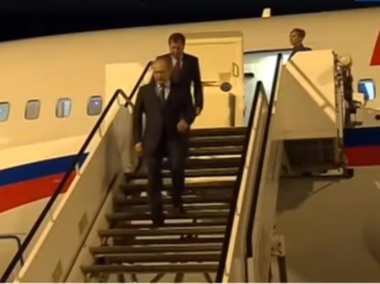 """Кремль прокомментировал """"крюк"""" самолета Путина в 500 км"""