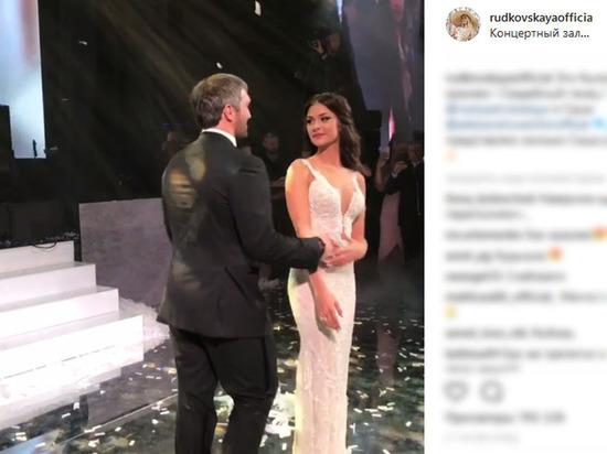 Роскошная свадьба Овечкина и Шубской: баттл Дворковича и «голые танцы»