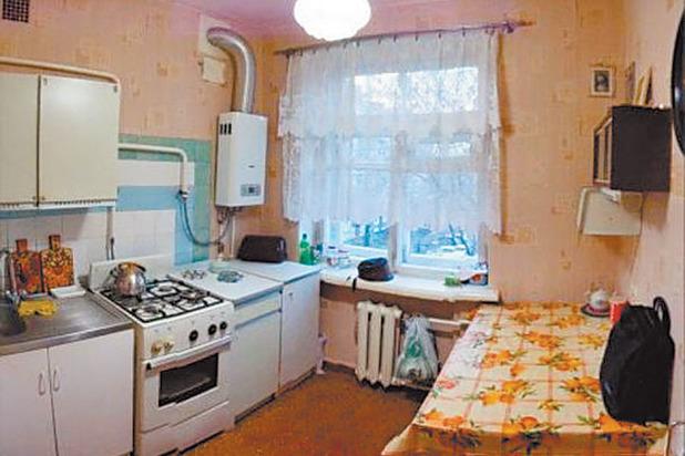 Горячая мать застукала молодых на кухне