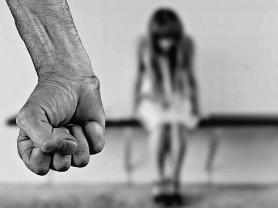 Скандал в Волхове: для оплаты танцев детей брали в заложники