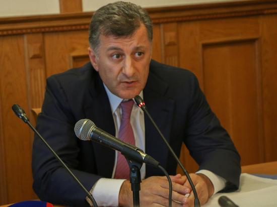 Депутат Государственной Думы Умахан Умаханов берет проблемы обманутых дольщиков в Дагестане на личный контроль