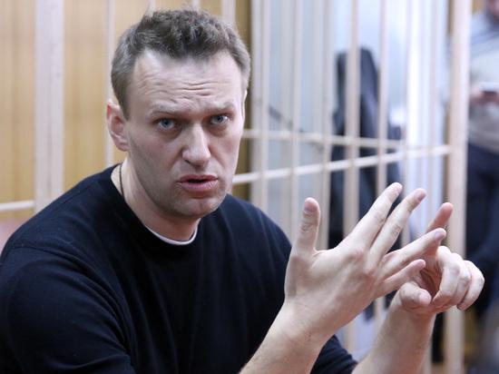 «Дискуссия с военным преступником»: интернет удивился дебатам Навального и Стрелкова