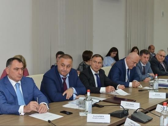 Главам муниципалитетов Северной Осетии поручено жёстко экономить бюджет
