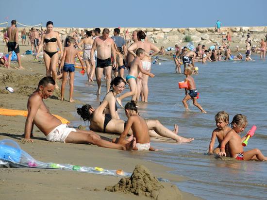 Российские отдыхающие предпочли родному Крыму заграницу