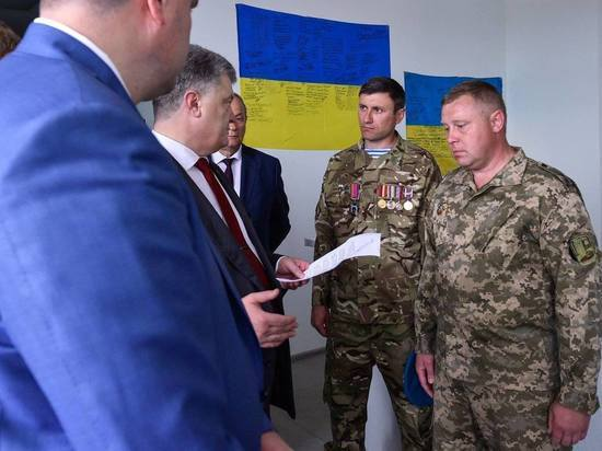 Порошенко снова признал украинскую армию одной из сильнейших на континенте
