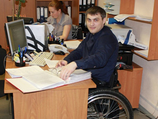 Инвалидов отправят работать законодательно: посредники помогут с вакансией и трудоустройством