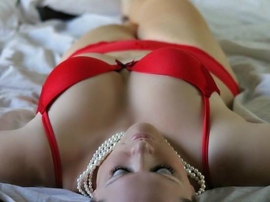 Секс, даже без удовольствия, замедляет старение женщин, заявили ученые