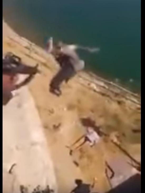 Появилось видео самосуда иракских военных над боевиками ИГ в Мосуле