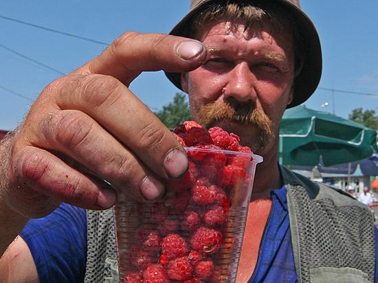 Болезнь грязных рук: как купить сезонные ягоды и не отравиться