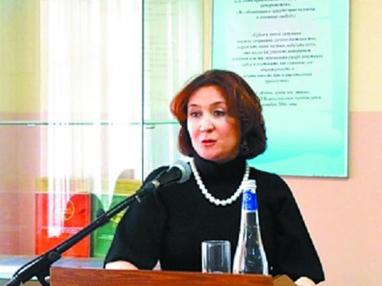 Диплом судьи Хахалевой проверят после скандальной свадьбы ее дочери