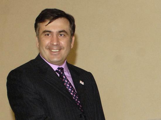 Пользователи соцсетей высмеяли «миньона» Саакашвили из-за нелепой куртки