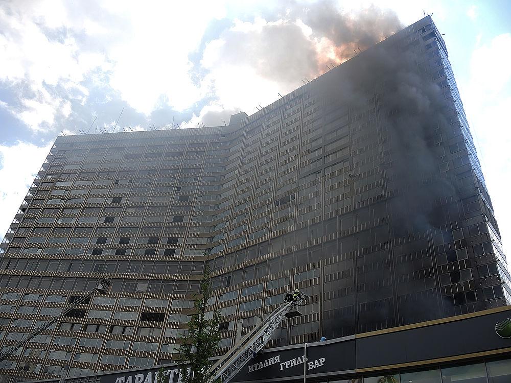 В одной из многоэтажек-«книжек» на Новом Арбате произошел пожар, были эвакуированы 78 человек