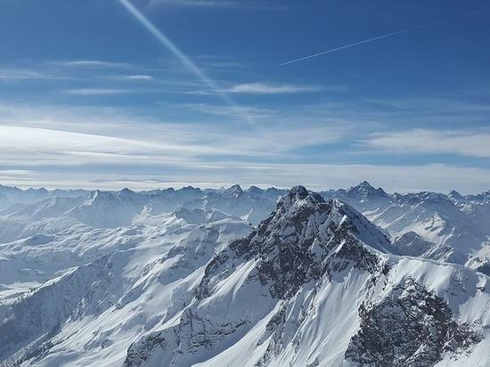 Жуткие подарки Альп: в ледниках находят трупы и драгоценные камни