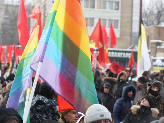Директор омского магазина объяснил, почему не взял гея на работу