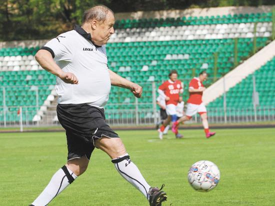 В Москве состоялся матч в честь легендарного футболиста Эдуарда Стрельцова