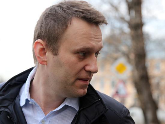 """""""Сам ты Путин!"""": как Навальный со Стрелковым провалили политические дебаты"""