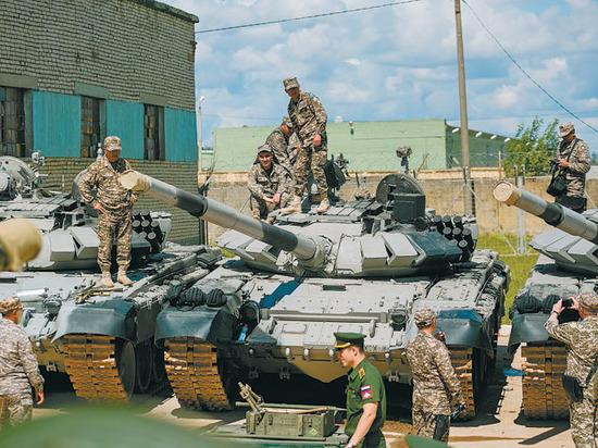 Азербайджанские танкисты приняли участие вжеребьевке конкурса «Танковый биатлон»