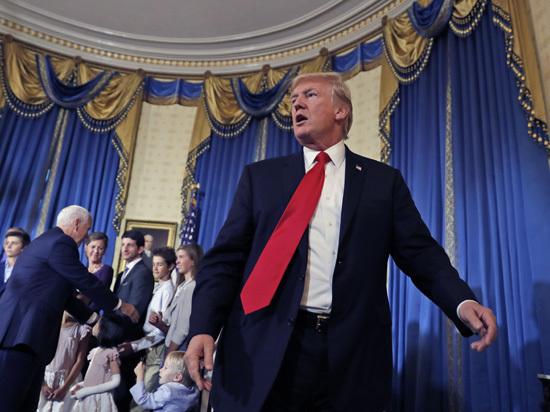 Близкие Трампа стали мишенями: на президента США давят через семью