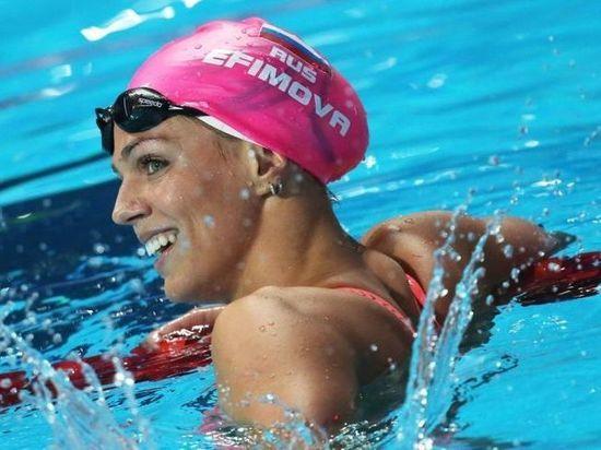 Пловчиха Ефимова вновь проиграла обидевшей ее американке Кинг