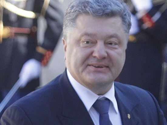 Суд вКиеве обязал СБУ расследовать очевидную госизмену Петра Порошенко