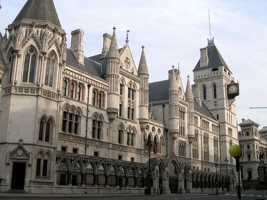Лондонский суд отказал России в немедленном взыскании с Украины 325 млн