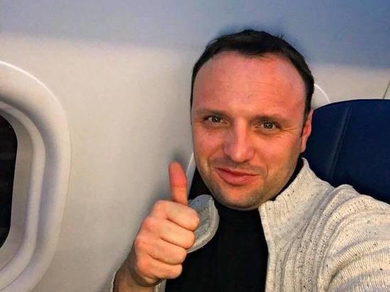 Изгнанный из американского самолета за «оккупацию Крыма» россиянин пригрозил судом