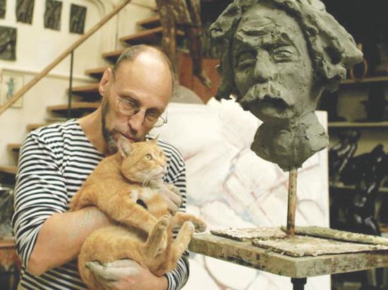 Открылась выставка памяти Дмитрия Пригова: убегающая кошка как образ России