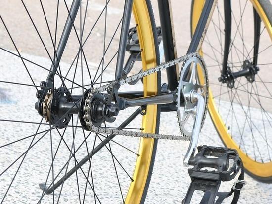 В Магнитогорске госпитализировавшая велосипедистку скорая сбила другую велосипедистку