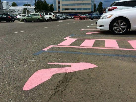 Пассажиры-водители раскритиковали женскую парковку в аэропорту