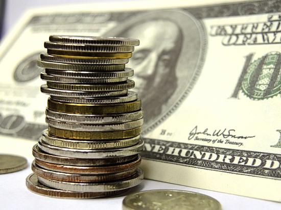 Причины обрушения рубля надо искать в войне санкций