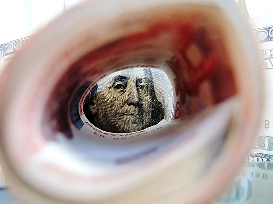 Эксперты предрекли курс 80 рублей за доллар в августе