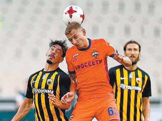 Акинфеев получил ушиб колена вматче сАЕКом— Бабаев