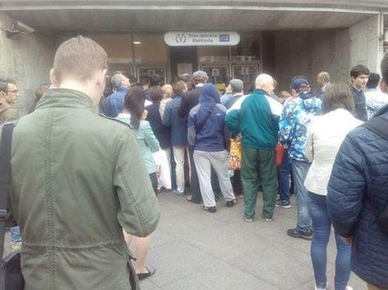 Тотальный досмотр в метро Петербурга потребовали сохранить