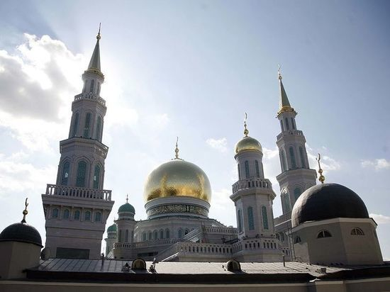 Чиновников посадят за парты и подкуют в религиоведении