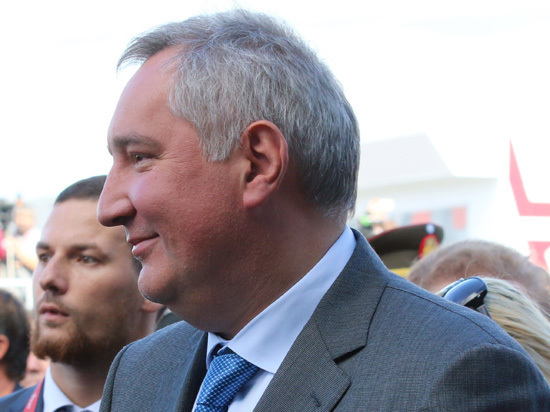 Рогозин объявил школу и торговый центр базой диверсантов США